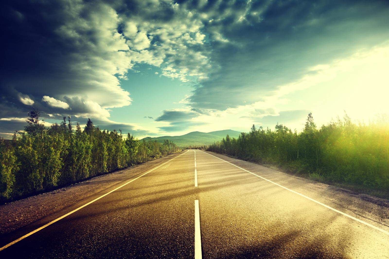 人的背影公路风景图