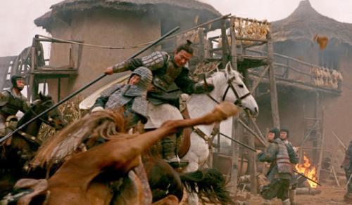 赤壁之战中赵子龙被喻为战神的经典镜头