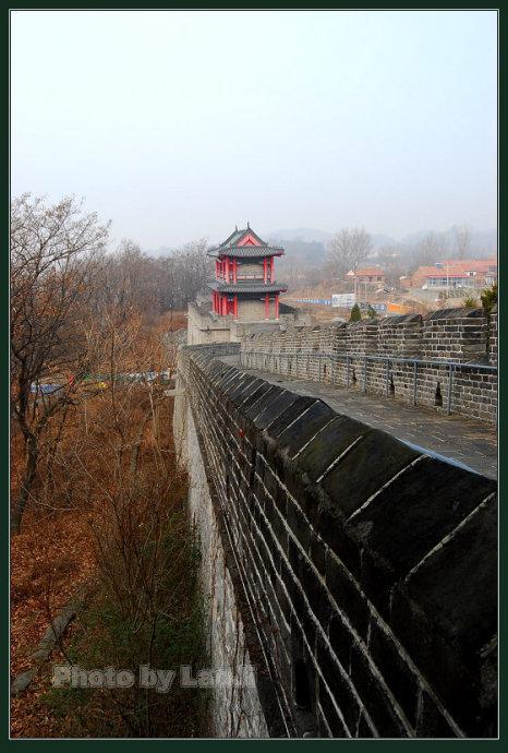 (2)万里长城东端起点:虎山长城